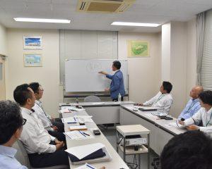 株式会社 南九州ファミリーマートの幹部研修会で、弊社代表が講師として登壇しました。